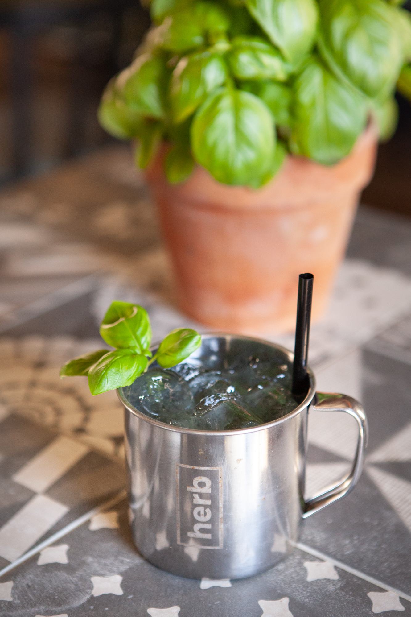 moscow mule cocktail drink bevanda alcolico basilico